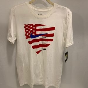 Nike Short Sleeve Crew Neck T-Shirt - Size S (NWT)